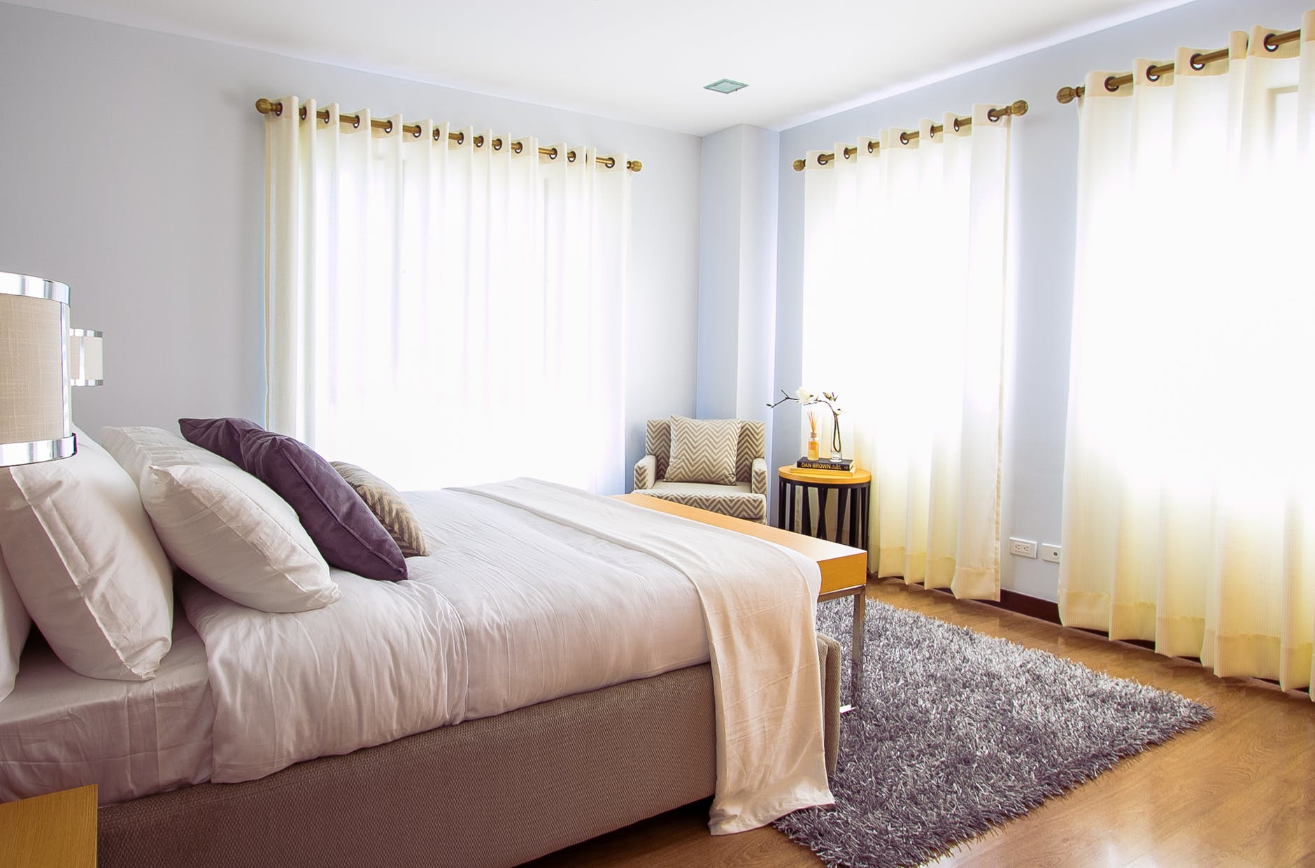 Pros and Cons for Bedroom Flooring Choices - Invision